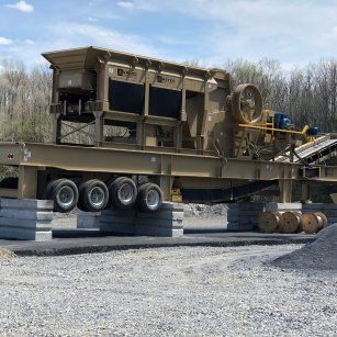 mobile crusher and screener on union quarries' crushing plant